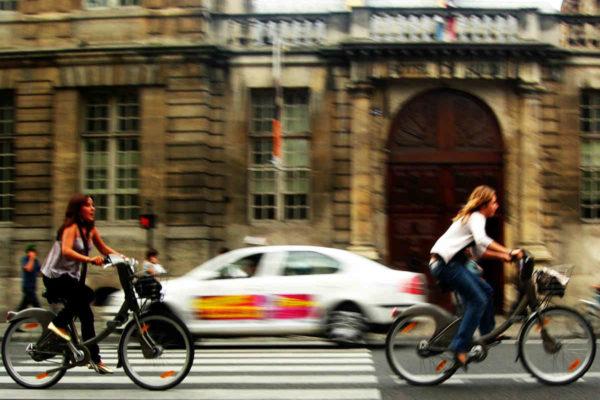 París atorgará hasta 600€ a los que compren una e-bike o bicicleta de carga
