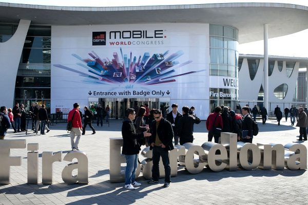 1280px-Fira_Barcelona_Mobile_World_Congress_2013-600x400